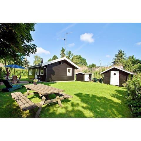 Sommerhus i Rågeleje, 400 m fra vandet - Vejby - Cabin