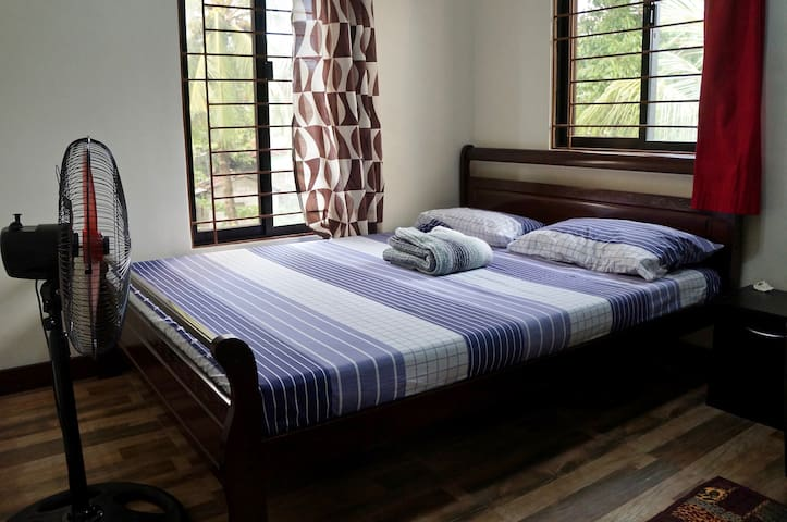 Comfy private bedroom in Caloocan City w/Wi-Fi