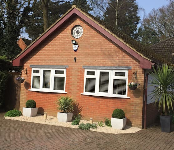 Modern, Luxurious, Executive Self Contained Annexe - Studham - Muu