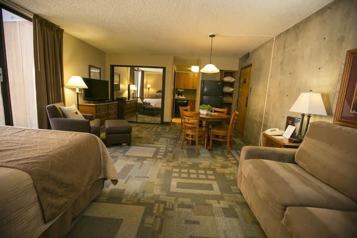 Snowbird Condo. Ski-in/Ski-Out. Alta. LCC.