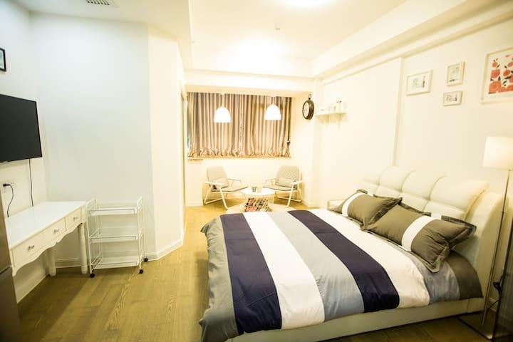 乐屋时尚公寓清新大床房