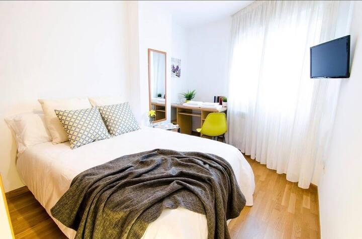 Apartamento , 4 habitaciones con baño privado