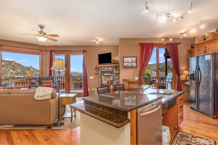 Mount Stratus 11B - 2 Br condo with Marys Lake and mountain views