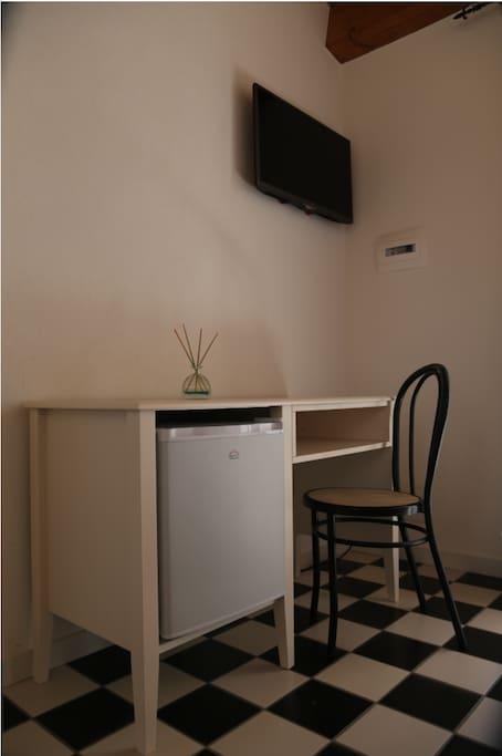 scrivania -frigo