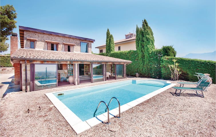 Holiday cottage with 4 bedrooms on 180m² in Contursi Terme (SA)