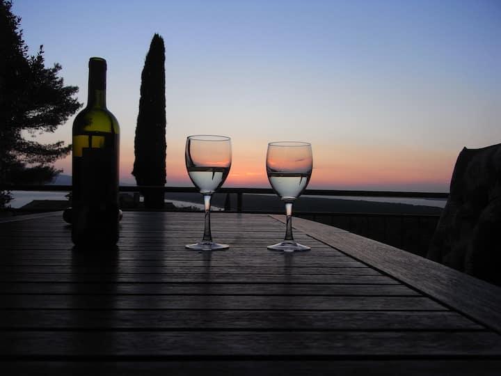 Beautiful seaview sleeps 6  #PiccolaBarcaAnsedonia