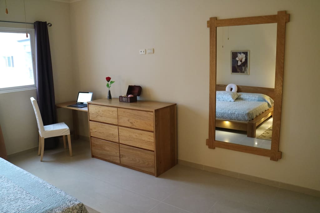 Spacious in the sleeping room fora small desktop on the site of the window with a nice view to the mountain