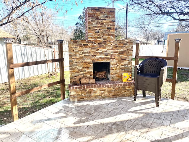 The Sandlot* Blocks from campus* Outdoor fireplace