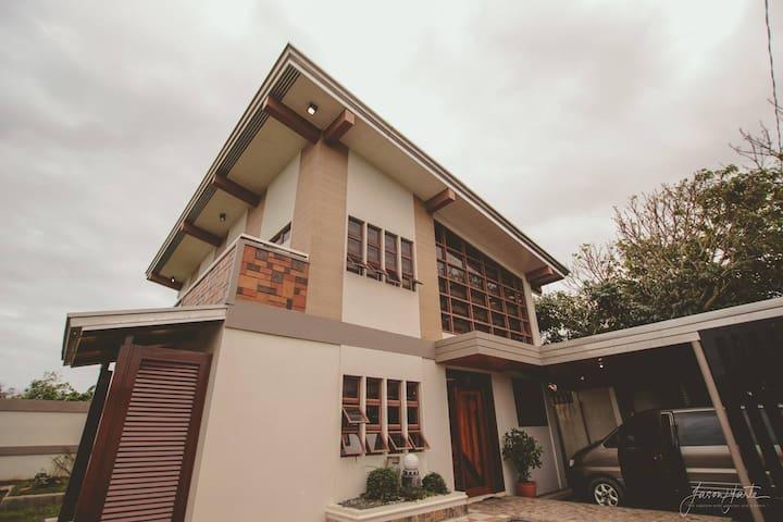 Bagasbas House 5-10 minutes walk to beach