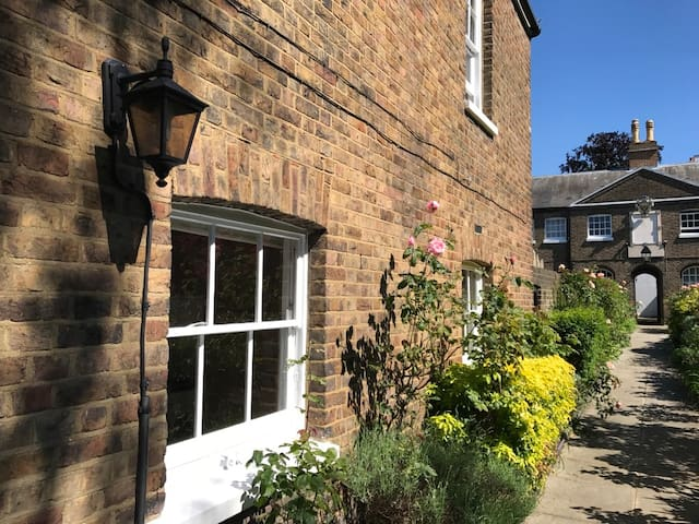 Lovely 3 bedroom house in central Richmond