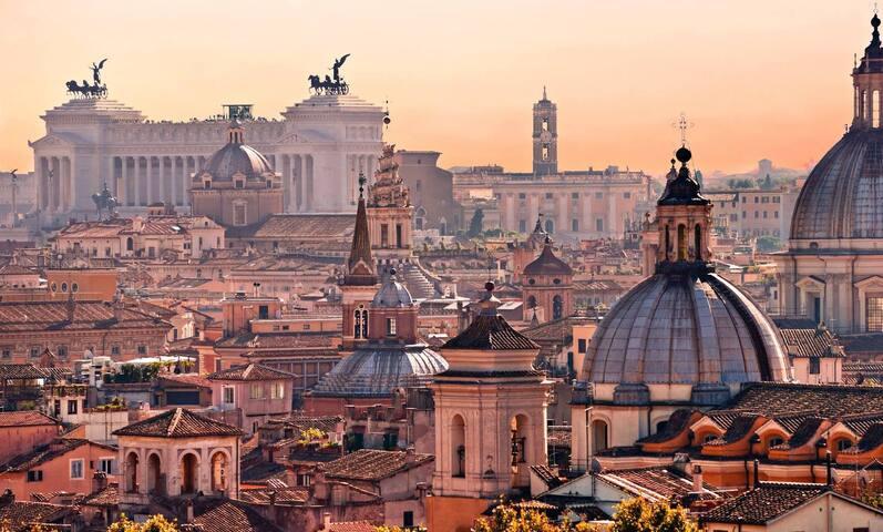 Quanto sei bella Roma quand'è sera!