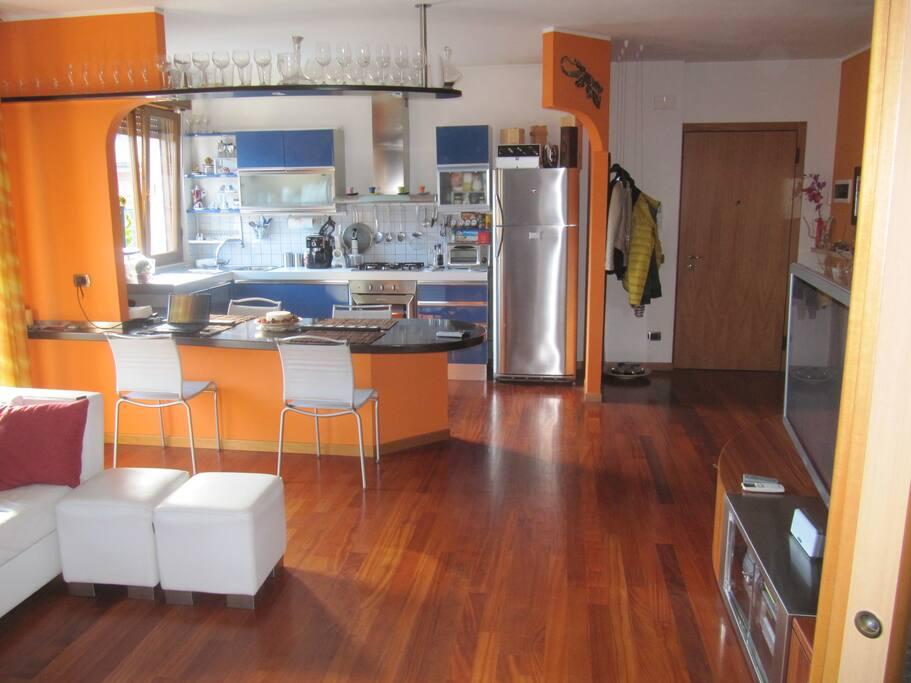 Cucina ed ingresso