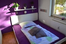 Schlafzimmer 2 mit Bett 160x200 cm