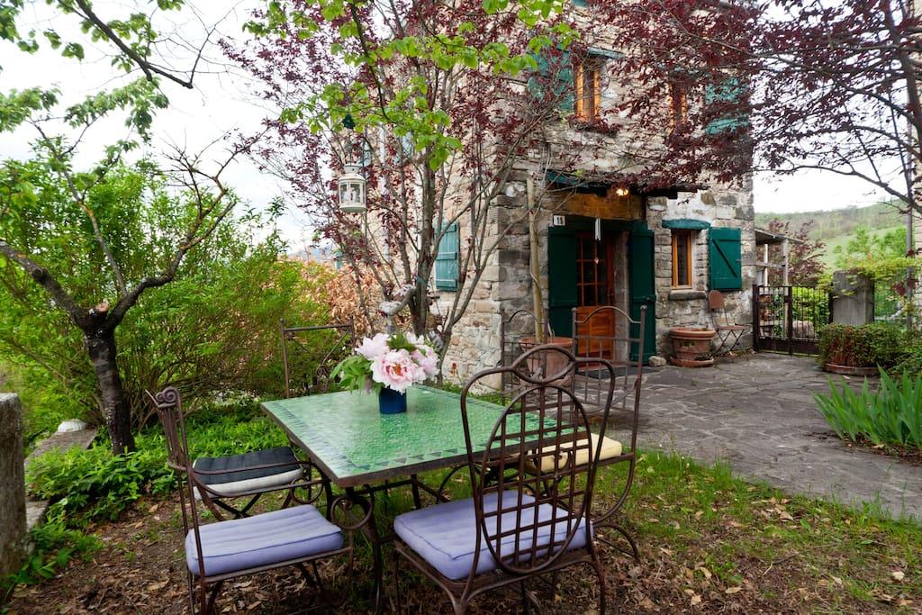 """Charming old rural cottage """"Linden"""""""