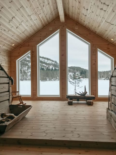 Beautiful loghouse from the 1800s- with a view