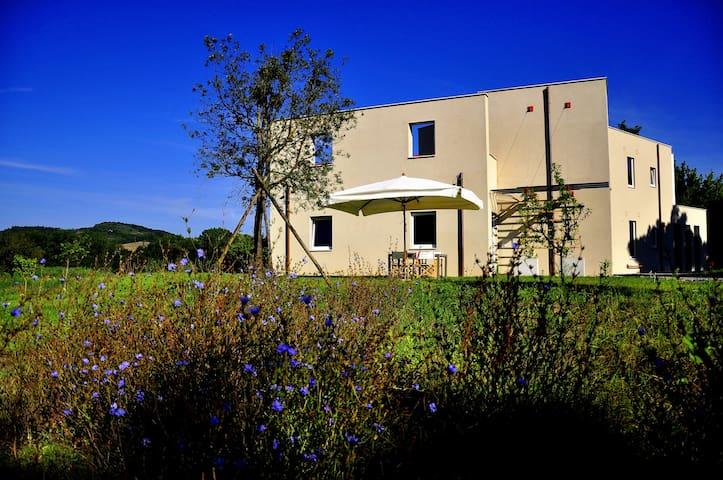 ORVIETO, DESIGN IN THE COUNTRY - Orvieto - Apartemen