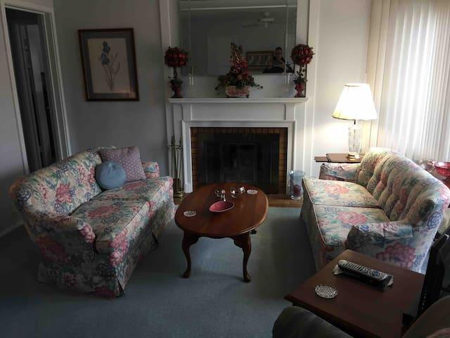 Duplex apartment home in Midland