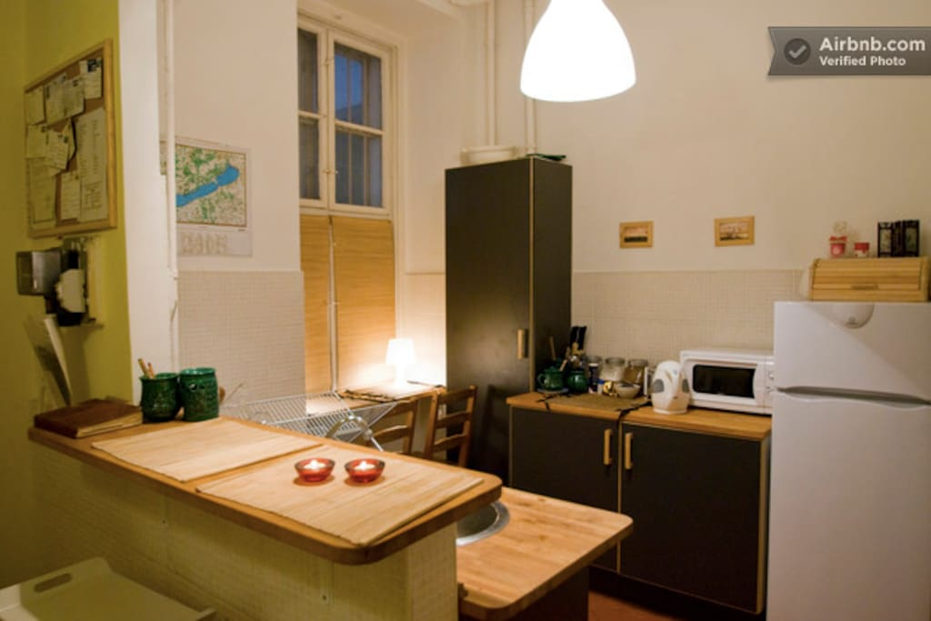 The Astoria Residence's kitchen, with everything you might need, even tea and coffee :)