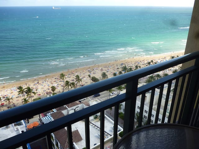 MARRIOTT'S BEACHPLACE TOWERS 50% OFF, FT LAUD, FL