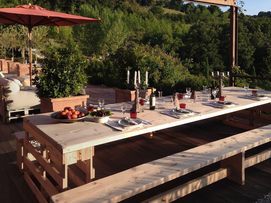 The terrace - outdoor dining table