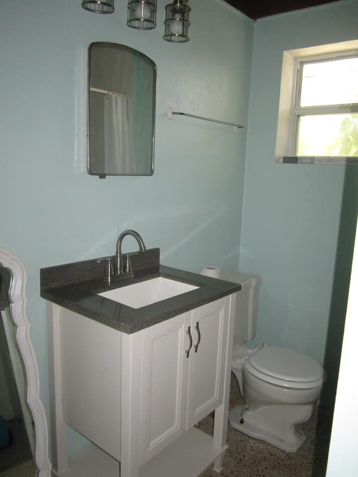 PRIVATE BEACH Unit w/Pool Sandy Toes #3 - Apartments for ...