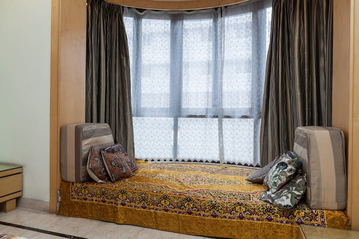 A comfortable space that can sleep an extra guest or child