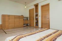 Luxurious room in city centre villa