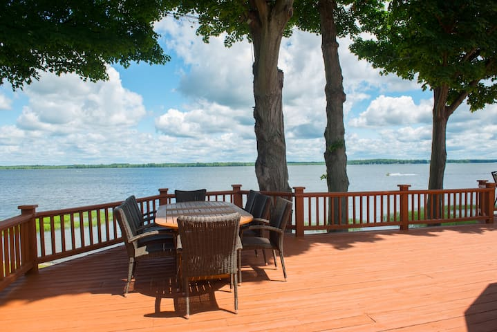 Expansive Custom Lake Estate - Brewerton - Huis