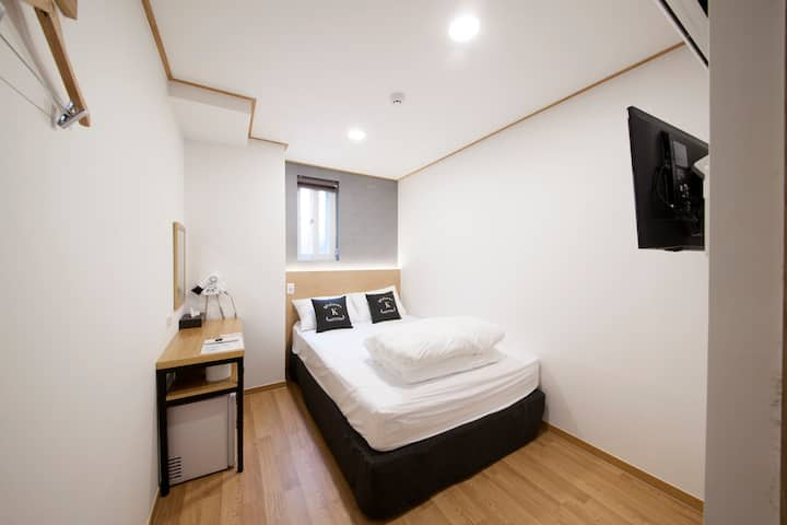 K-Guest house GwanganrI,2 persons room #Double bed