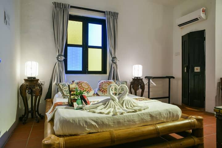 Deluxe 3 Persons Room in Melaka Jonker Area(R1)