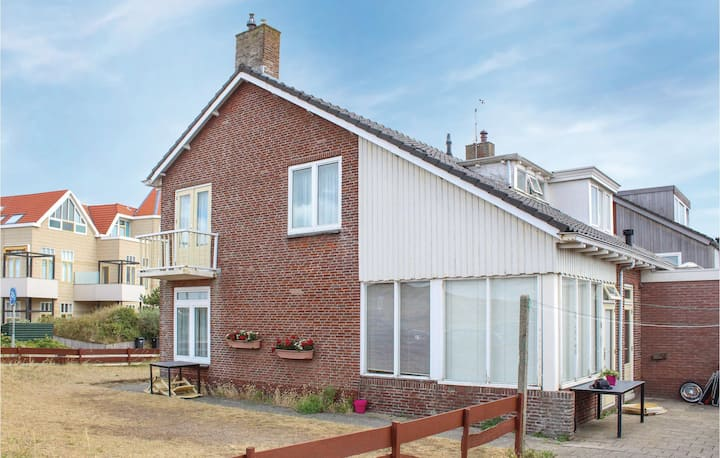 Holiday cottage with 3 bedrooms on 100m² in Egmond aan zee