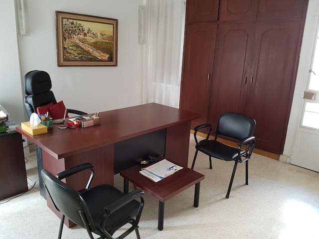 an office occupies the 3rd bedroom, which may be re-established