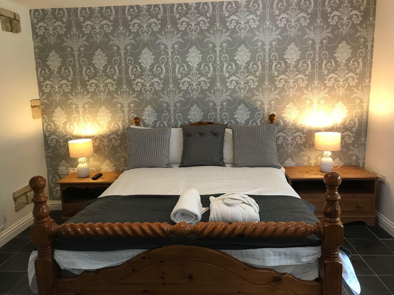 Bedroom 1 - triple