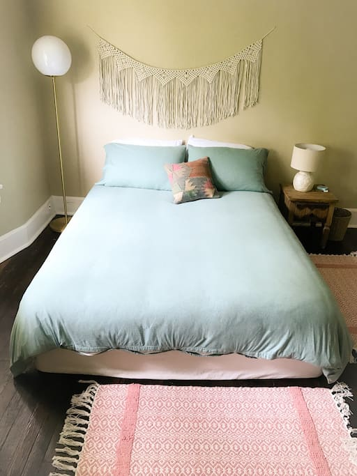 New queen bed and ultra soft jersey duvet cover.