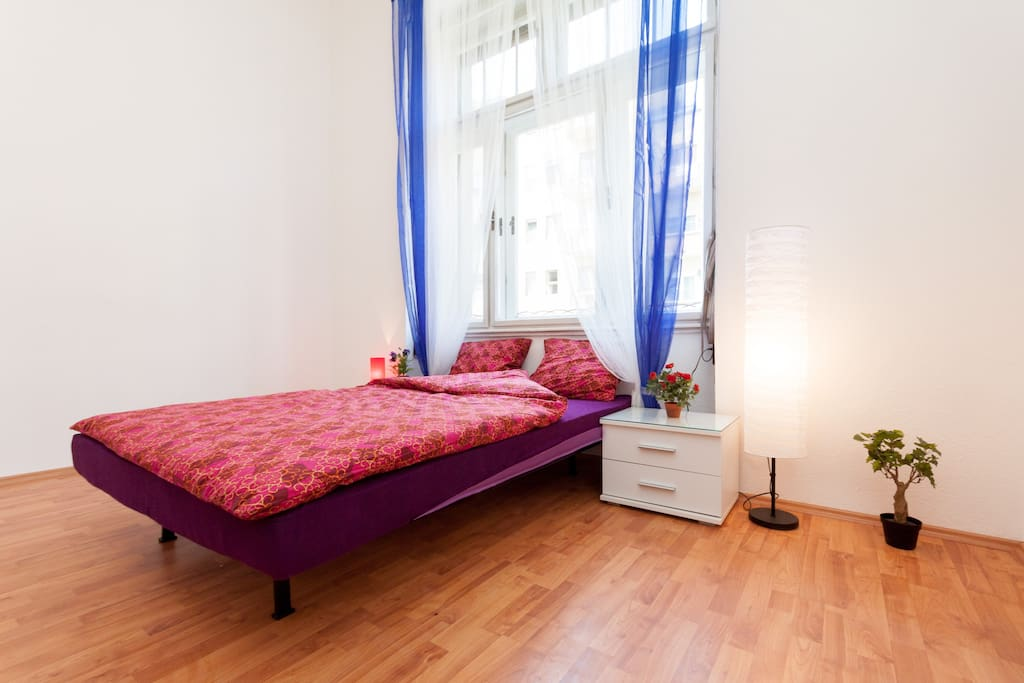 4 Bedroom Flat by the Danube River