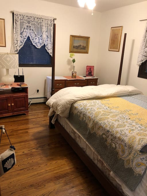 This is your Queen size bedroom. This room faces South and due to the blinds the sun will not wake you bright and early.There is a TV in this room with cable. Movies are EXTRA $$