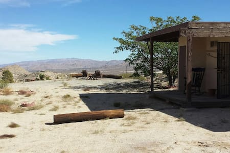 Small Casita with Big Views - Yucca Valley