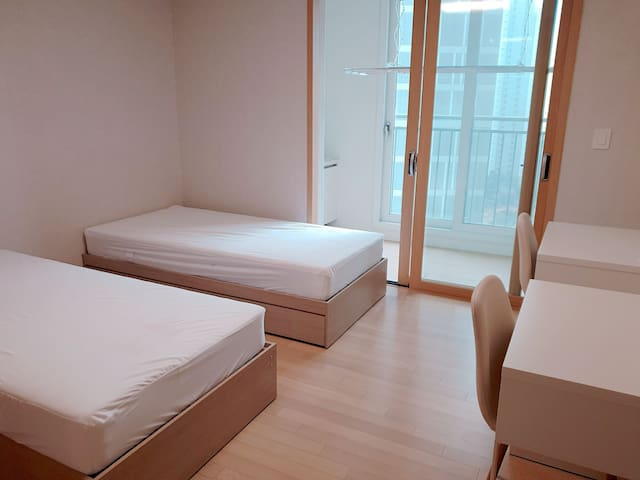 여성전용 아름 게스트하우스 2인실 싱글침대 2개