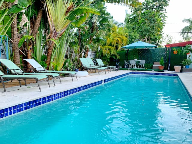 MIAMI DELUXED GATEAWAY HOUSE 3BEDS/2BATHS