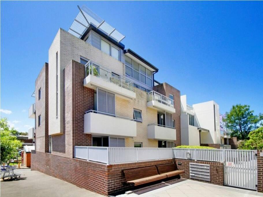 Studio wifi balcony appartamenti in affitto a camperdown - Asciugatrice in balcone ...