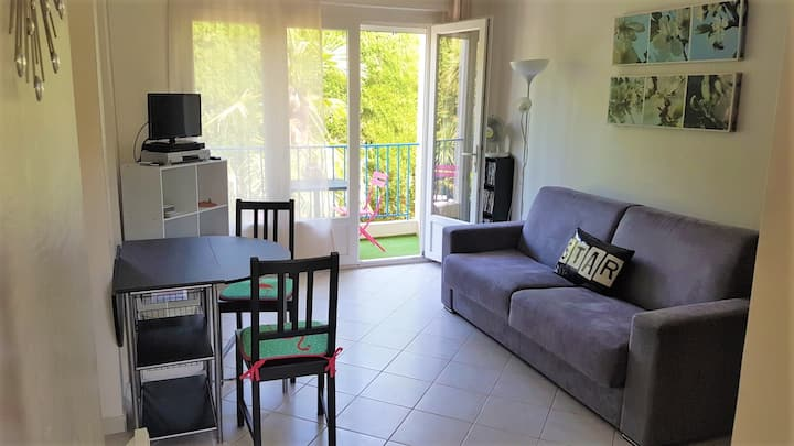 Fully equiped studio close to the beach