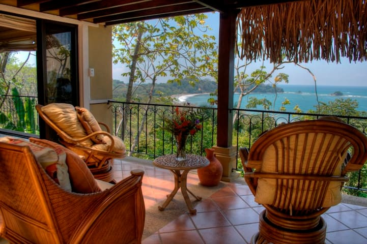Walk-to-Beach, Ocean View, Surrounded by Nature - Dominical  - House