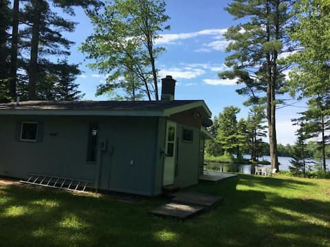 Sandy Hollow Lakefront Vacation Home