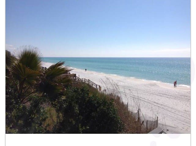 "Beachside Retreat ,Great location.   55"" Smart tv"