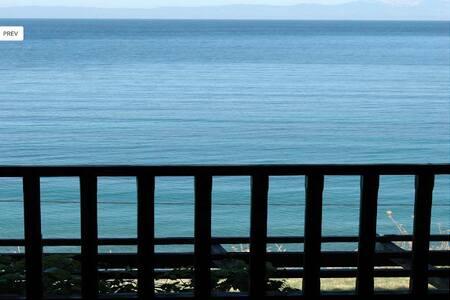 Seafront Villa Apartment 1st Floor - Kondominium