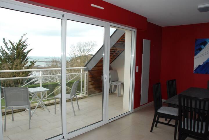 Appartement 89m2,terrasses,vue mer 400m la plage.
