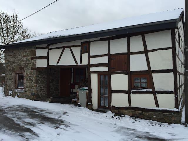 BruFarm Cottage (entire place)