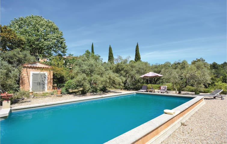 Holiday cottage with 1 bedroom on 60m² in Les Baux de Provence