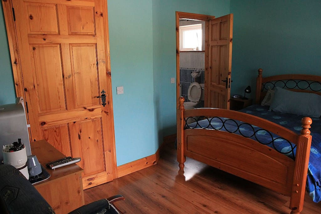 Another double room.