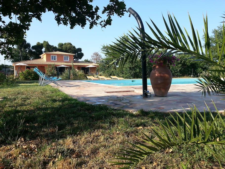 Villa piscine houses for rent in prunelli di fiumorbo for Villa piscine france